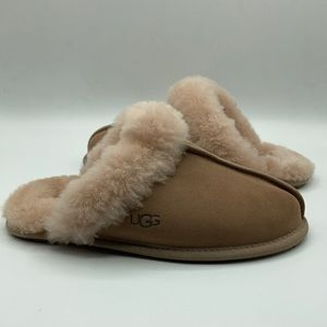 UGG Women's Scuffette Cremini Brown Slippers